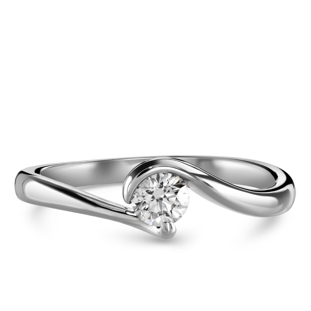 diamond-solitaire-engagement-ring